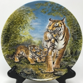Mother's Day plate, Signs of Love Collection by Yin-Rei Hicks, River Shore Ltd., 1986